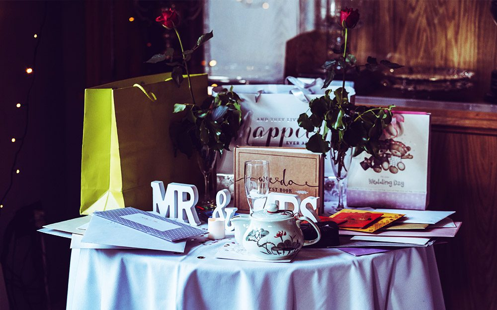 wedding guest etiquette gifting